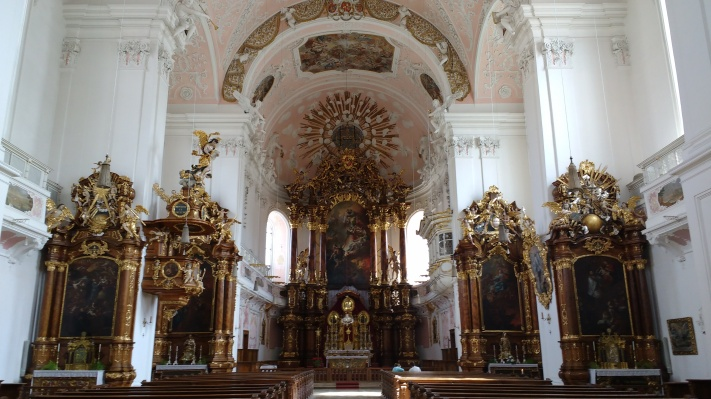 all German Catholic Churches are like this...